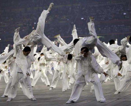 China Performers Sacr Heal