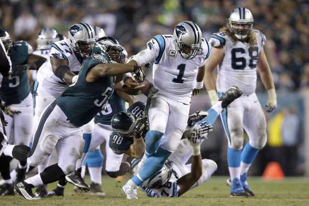Panthers Eagles Footb Heal 1